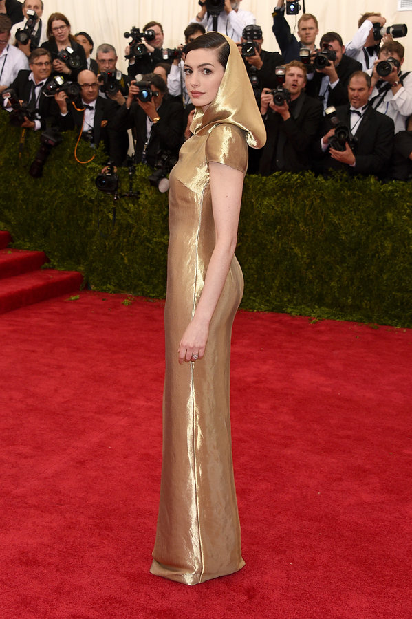 anne-hathaway-met-gala-2015-best-dressed